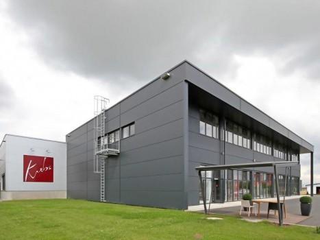 Neubau Verwaltungsgebäude, Produktionshalle, Deko-Center