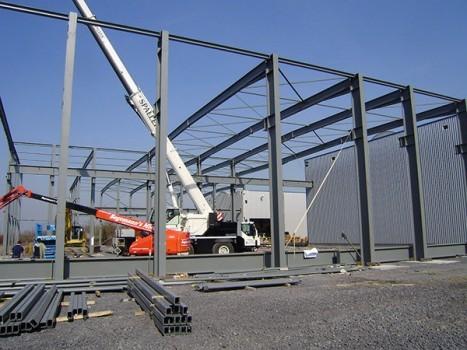 Neubau einer Fertigungshalle