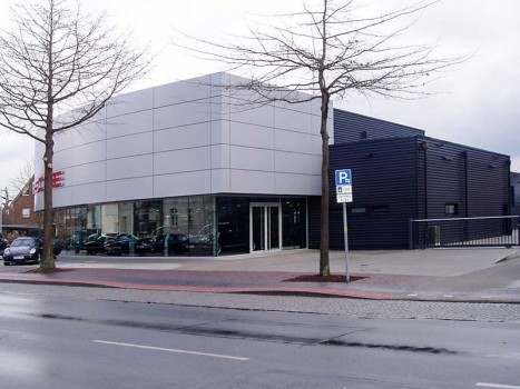 Erweiterung von Verkaufsräumen und Sanierung einer Werkstatt